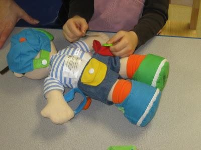 Voici un 2e exemple d'activité faite en thérapie avec l'ergothérapeute du centre de réadaptation.