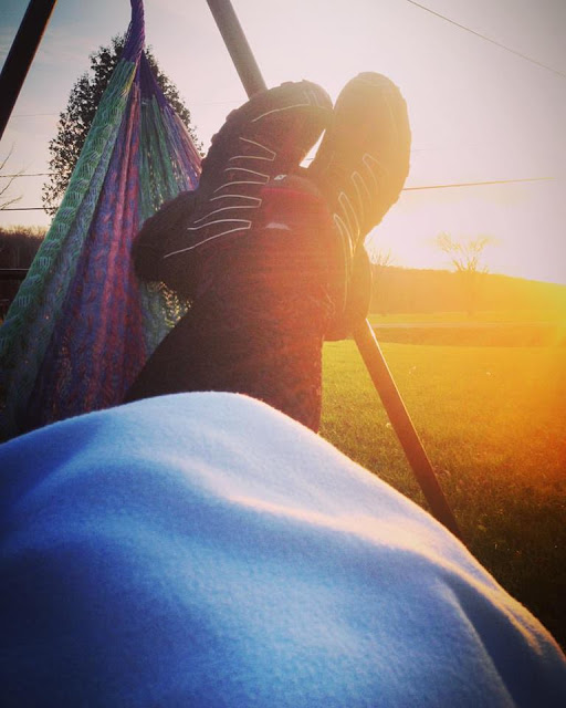 Repos dans le hamac sous soleil d'automne Crédit photo Julie Philippon
