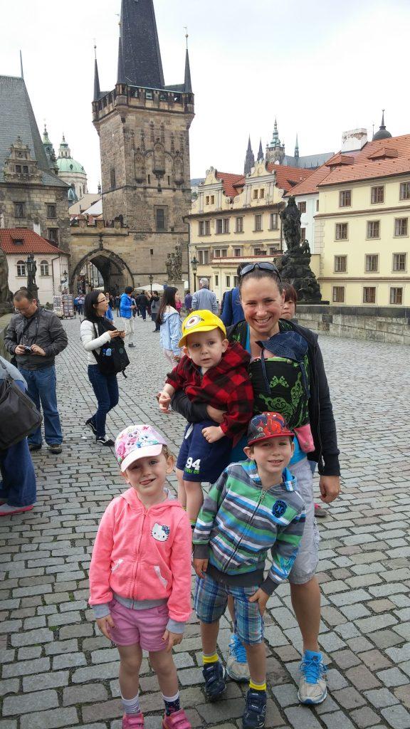 Parcourir Prague avec des enfants. Un moyen de plus pour vivre l'été en famille version 4 en 5.