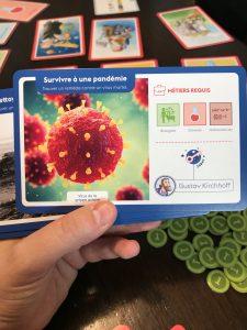 Amélio. Nous avons discuté de la pandémie grace aux cartes de jeu.