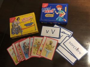 Amélio. Chaque coffret contient des cartes pouvant être utilisées dans une infinité de variantes de jeu.